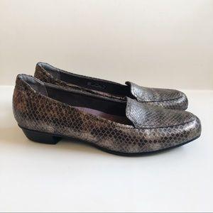 Clarks Timeless Loafers Bronze Snakeskin 9.5